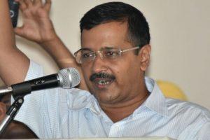 You fighting me, not Badals? Kejriwal asks Amarinder