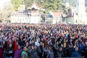 Tourists make beeline for Shimla to celebrate New Year