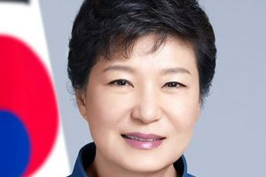 S Korea's President Park denies graft allegations