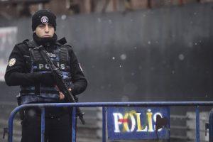 Gunman in New Year slayings at Istanbul club still at large