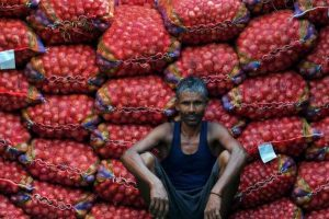 Govt extends export sops on onions till March 31