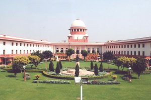 SC asks top UP officials to explain why warrant was not executed