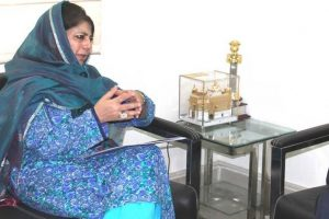 Mehbooba offers prayers on Sayeed's first death anniversary