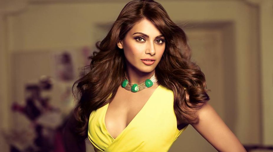 Wishes pour in for Bipasha on her 38th birthday