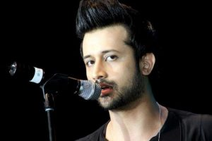 Atif Aslam stops concert mid-way to rescue girl