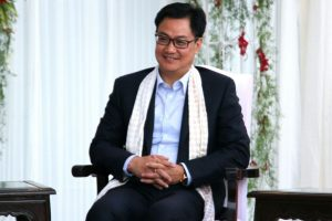 Mamata incapable of maintaining law and order: Rijiju