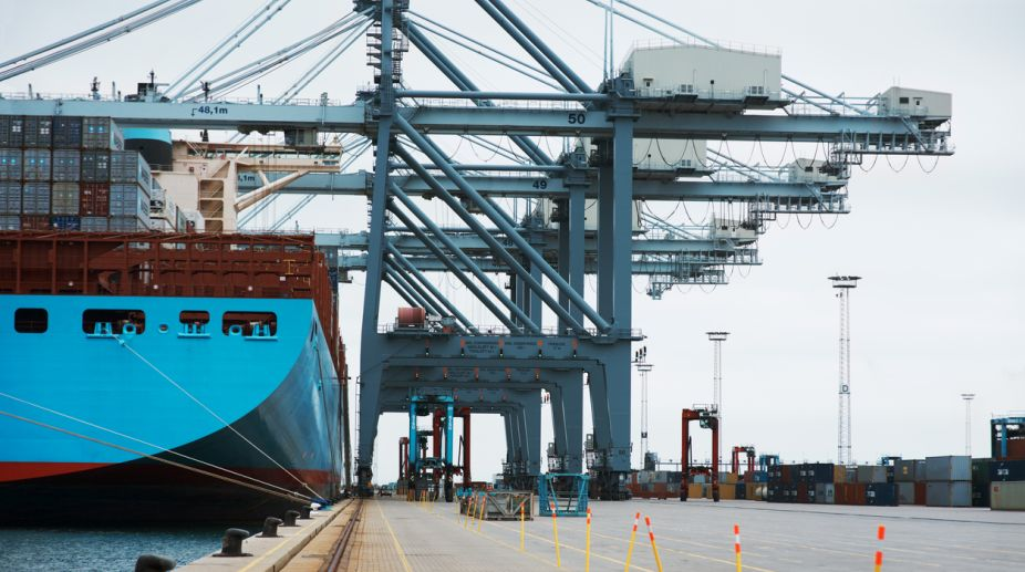 Exports drop 0.66% in March ; trade deficit widens