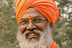 EC issues show-cause notice to Sakshi Maharaj