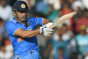 Will continue hitting sixes: Dhoni