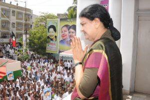 Don't let rivals exploit crisis after Jaya's death: Sasikala to party