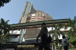 Nifty snaps 3-day rally as TCS, Infosys drop