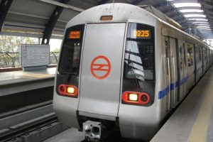 Metro Blue Line commuters suffer crowded trains due to snag