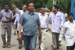 Delhi govt opposes five-fold driving licence fee hike