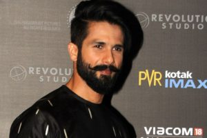 Shahid lauds 'cinema with content' after Filmfare win