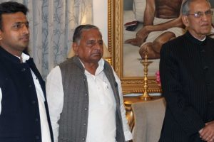 Akhilesh, Mulayam Singh Yadav seek two years time to vacate government bungalow