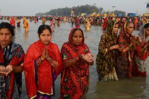 Over a million take holy dip at Ganga Sagar on Makar Sankranti