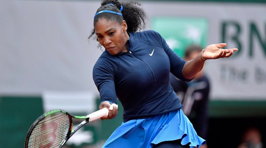 Halep, Wozniacki lead race to seize Serena's Aussie crown