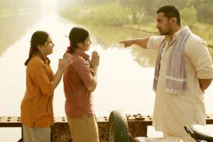 """Aamir defends Zaira Wasim, calls her a """"role model"""""""