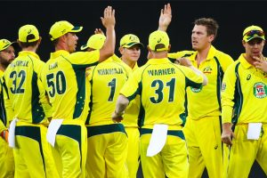 Australian cricketers holding out for lucrative contracts