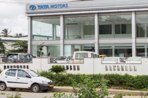 Tata Motors net soars threefold to Rs.2,502 crore