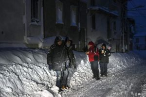 Italy quake: 'Many dead' in avalanche-hit hotel