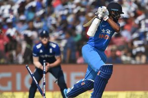 2nd ODI: Yuvraj's ton puts India in command