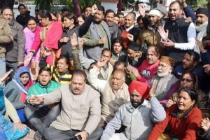 Trouble mounts for BJP in Uttarakhand, ignored leaders part ways