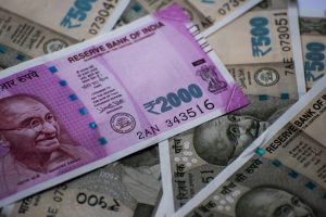 Cash crunch: SBI Research pegs shortfall at Rs 70,000 crore