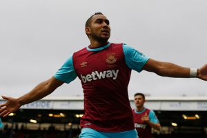 Wenger rules Arsenal out of Payet race