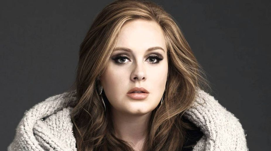 Adele freaks out over a mosquito mid-concert
