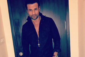 Sad I'm an Indian living in India: Rohit Roy