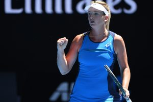 Australian Open: Vandeweghe thrashes Muguruza to set up Venus semifinal