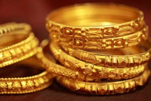 Gold recovers on global cues, jewellers' buying