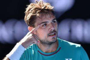 Australian Open: Wawrinka tames Tsonga to reach last-four
