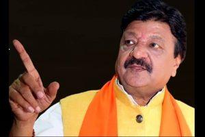 BJP leader slams Shah Rukh Khan over 'Raees' death