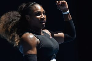 Australian Open: Serena Williams powers into semis