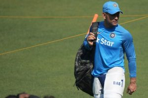 Let selectors decide MS Dhoni's future in T20s: Kapil Dev