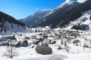 Sub-zero temperatures in Kashmir, Leh coldest