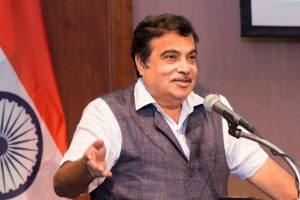 Congress trying to topple govt in Maharashtra: Gadkari
