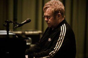 Elton John to write 'Devil Wears Prada' musical