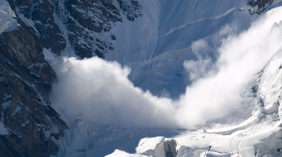 Engineer killed, 8 missing in J-K avalanche