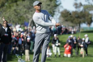 Woods frustrated after missed cut at Torrey Pines