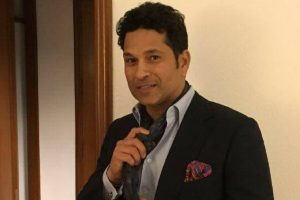 Sachin Tendulkar urges Gadkari to act against fake helmet makers