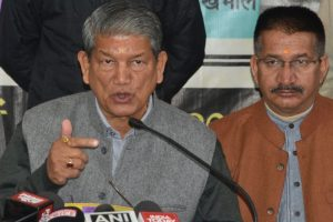 Harish Rawat goes Akhilesh way, promises free Smartphone with data to youths