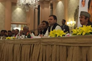 Akhilesh, Rahul pitch for SP-Congress alliance