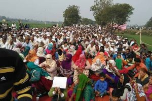 Jats hold sit-in in Gurugram for reservation