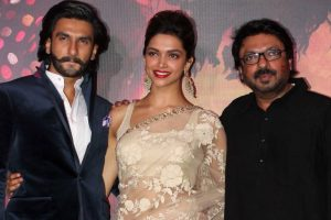 Ranveer wraps up 'Padmavati', celebrates with Deepika