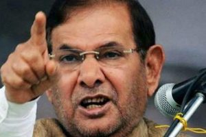 Sharad Yadav criticises police action against protesting BHU