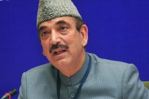 Centre a 'government of robbers', note ban 'black law': Ghulam Nabi Azad