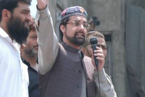 Mirwaiz condemns youth's killing in Kashmir
